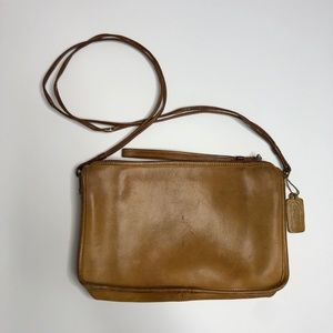 Vintage COACH tan leather small shoulder purse